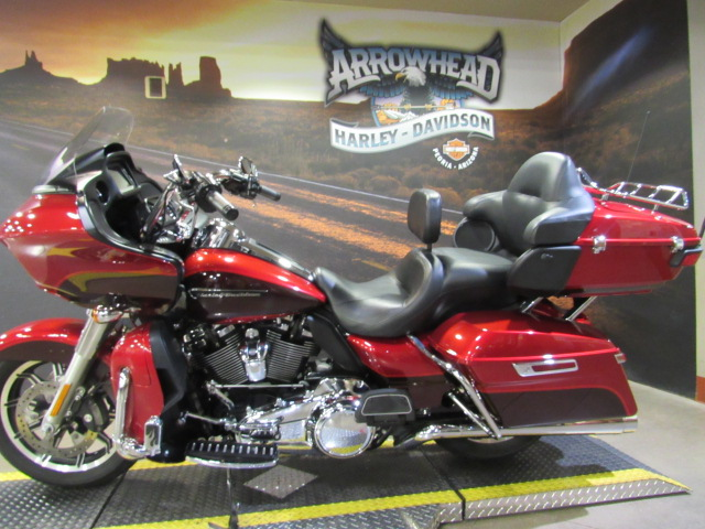 Pre-Owned 2018 Harley-Davidson Road Glide Ultra
